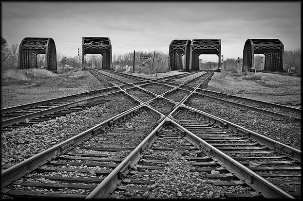 criss_cross_railroad_tracks